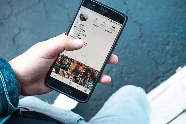 Facebook video download करने का तरीका हिन्दी में 2020